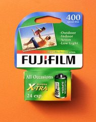 Fujifilm Fujicolor Superia X-TRA 400 Color Negative Film (35mm Roll Film, 24 Exposures)