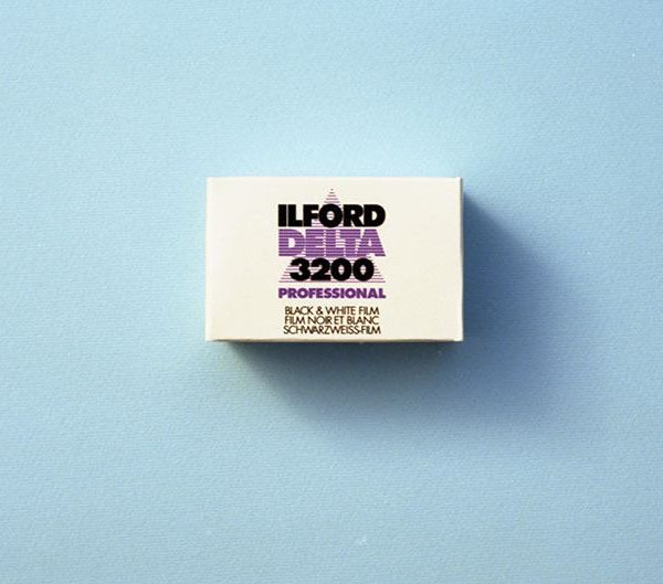 Ilford Delta 3200 Professional Black and White Negative Film (35mm Roll Film, 36 Exposures)