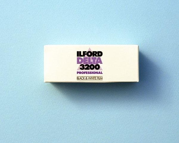 Ilford Delta 3200 Professional Black and White Negative Film (120 Roll Film)