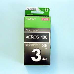 Fujifilm Neopan 100 Acros Black and White Negative Film (35mm Roll Film, 36 Exposures)
