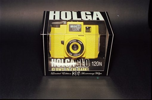 Holga HolgaGlo 120N Glow In The Dark - Solar Yellow