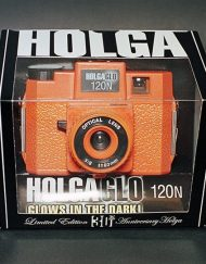 Holga HolgaGlo 120N Glow In The Dark - Aura Orange