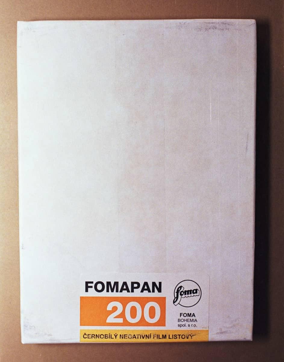 "Foma Fomapan 200 Black and White Sheet Film (4 x 5"", 50 Sheets)"